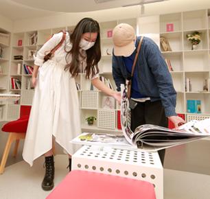 2020中国时尚设计大赛优秀设计师进盛泽全力开动