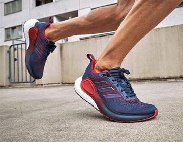阿迪达斯推出全新Alpha Lava跑鞋