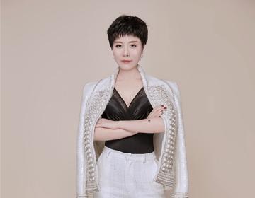 黑天鹅品牌营销总裁杨红雨:与同频者同行