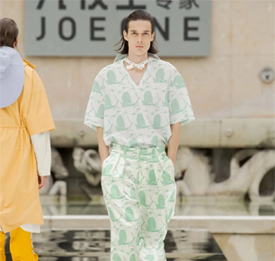 从巴黎时装周到抖音直播间,95后们开始买西裤了