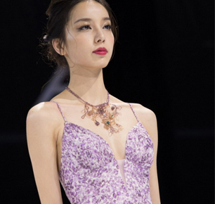 """Ying Choi 2019SS上海时装周,一场""""MIRAGE海市蜃楼""""的心之旅行"""