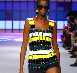 英国高级时尚品牌DAKS成立125周年首度亮相上海时装周