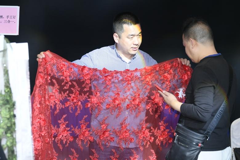 """""""丝路柯桥·布满全球""""走进深圳活动在大浪时尚小镇举行"""