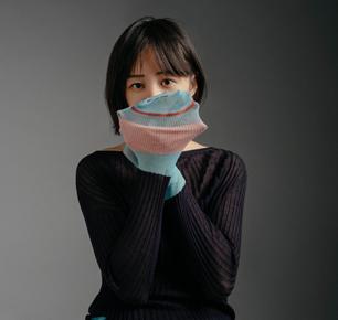 i-am-chen首次亮相上海时装周演绎彩色针织美学