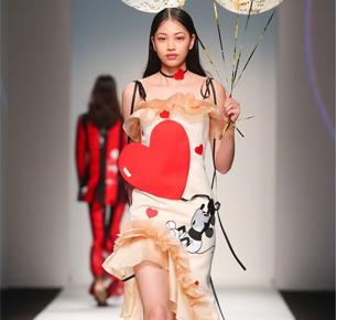 """迪士尼携手中国时尚设计新势力,推出""""源于致真经典""""致敬米奇系列"""