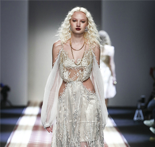 伦敦设计师品牌 LUOOIFSTUDIO 上海时装周迷幻登场