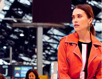 国际影星加持艾莱依春夏女装 风衣和连衣裙强单品