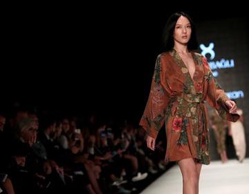 伊斯坦布尔时装周于10月8日开幕:时尚界先锋齐聚一