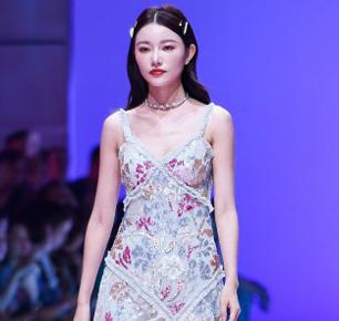 媛帆女装2020春夏发布秀 探索生生不息的女性之美