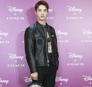 Disney X Coach 暗黑童话系列概念店于南京德基盛大开幕