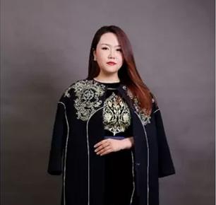 热爱:从设计师到企业家的蜕变之旅  —— 访上海玛薇娜服饰有限公司CEO张煜